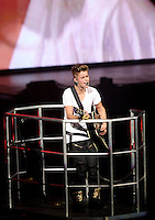 Justin Bieber Performs at the Verizon