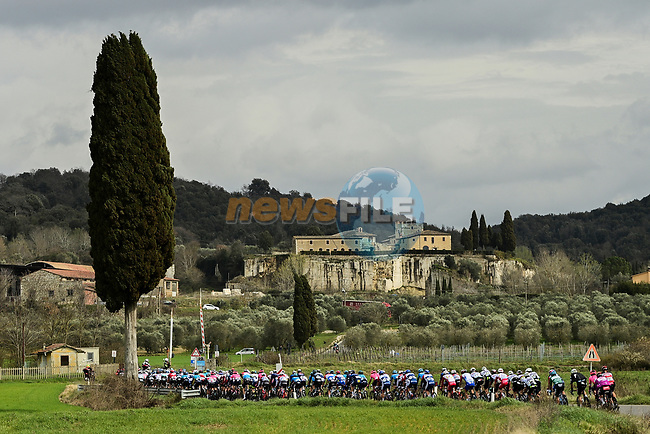 The peloton during Stage 3 of Tirreno-Adriatico Eolo 2021, running 219km from Monticiano to Gualdo Tadino, Italy. 12th March 2021. <br /> Photo: LaPresse/Marco Alpozzi | Cyclefile<br /> <br /> All photos usage must carry mandatory copyright credit (© Cyclefile | LaPresse/Marco Alpozzi)