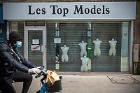 Europe /France/Ile de France/Paris :   75011, rue Popincourt - Confinement Printemps 2020 et devanture Top Models  //  Europe / France / Ile de France / Paris: 75011, rue Popincourt - Spring 2020 confinement and Top Models storefront