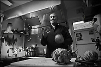 Europe/France/Bretagne/22/Côtes d'Armor/Saint-Brieuc: Jean-Marie Baudic en cuisine dans son restaurant: Youpala Bistrot, [Non destiné à un usage publicitaire - Not intended for an advertising use]