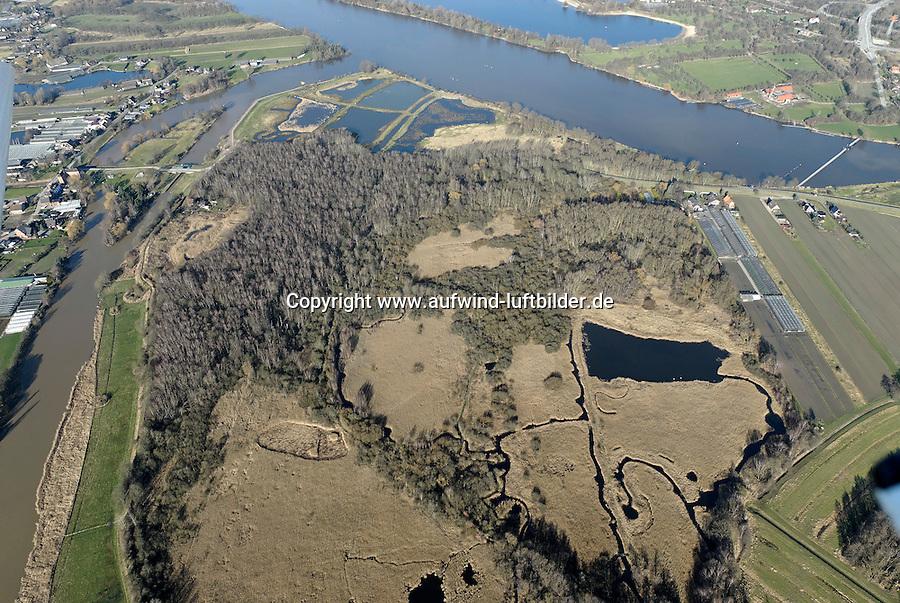 Naturschutzgebiet Reit: EUROPA, DEUTSCHLAND, HAMBURG, BERGEDORF (EUROPE, GERMANY), 09.02.2008: Die Reit ist ein Naturschutzgebiet im Hamburger Stadtteil Reitbrook in den Marschlanden, zwischen dem Zusammenfluss der Dove und Gose Elbe...Das Naturschutzgebiet im Südosten Hamburgs umfasst etwa 48 ha. In der Reit gibt es mehrere Teiche, die durch Tongewinnung für eine früher hier produzierende Ziegelei sowie durch Erdaushub für den Deichbau entstanden sind. Zusammenhängende Schilfrohrbestände nehmen rund ein Drittel der Fläche des Naturschutzgebiets ein. Den Schutzstatus erhielt Die Reit in erster Linie durch ihre Bedeutung als Brut- und Rastgebiet mitteleuropäischer Sing- und Zugvögel. Auch durch Amphibien, vielerlei Insekten und seine Flora zeichnet sich das Schutzgebiet aus..Luftbild, Aufwind-Luftbilder.