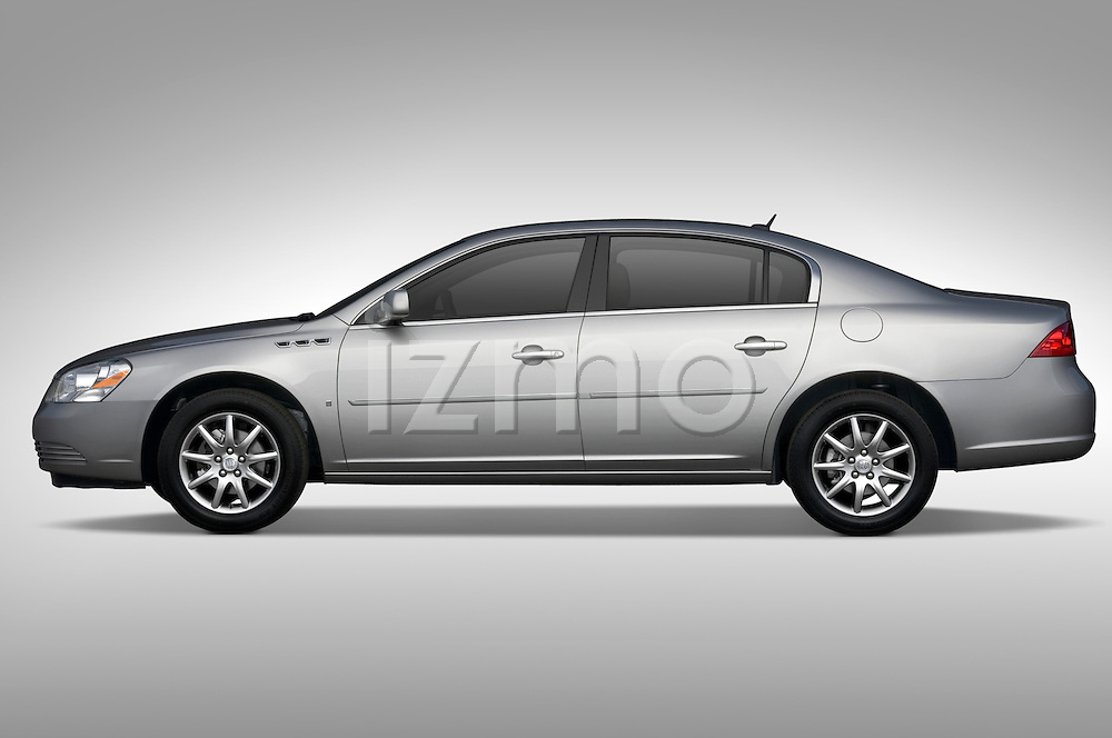 Profile side view of a  Buick Lucerne CXL 2006