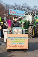 """Mehrere zehntausend Menschen demonstrierten am Samstag den 19. Januar 2019 in Berlin unter dem Motto """"Wir haben es statt!"""" fuer eine Wende in der Agrarpolitik. Sie forderten eine Abkehr von der Subventionierung der industriellen Landwirtschaft, hin zu einer Unterstuetzung der kleinen Betriebe. """"Schluss mit den Steuermilliarden an die Agrarindustrie!"""" und """"Subventionen nur noch fuer umwelt- und klimaschonende Landwirtschaft! Oeffentliche Gelder nur noch fuer artgerechte Tierhaltung!"""".<br /> An dem Demonstrationszug nahmen Bauern mit 141 Traktoren teil.<br /> <br /> 19.1.2019, Berlin<br /> Copyright: Christian-Ditsch.de<br /> [Inhaltsveraendernde Manipulation des Fotos nur nach ausdruecklicher Genehmigung des Fotografen. Vereinbarungen ueber Abtretung von Persoenlichkeitsrechten/Model Release der abgebildeten Person/Personen liegen nicht vor. NO MODEL RELEASE! Nur fuer Redaktionelle Zwecke. Don't publish without copyright Christian-Ditsch.de, Veroeffentlichung nur mit Fotografennennung, sowie gegen Honorar, MwSt. und Beleg. Konto: I N G - D i B a, IBAN DE58500105175400192269, BIC INGDDEFFXXX, Kontakt: post@christian-ditsch.de<br /> Bei der Bearbeitung der Dateiinformationen darf die Urheberkennzeichnung in den EXIF- und  IPTC-Daten nicht entfernt werden, diese sind in digitalen Medien nach §95c UrhG rechtlich geschuetzt. Der Urhebervermerk wird gemaess §13 UrhG verlangt.]"""