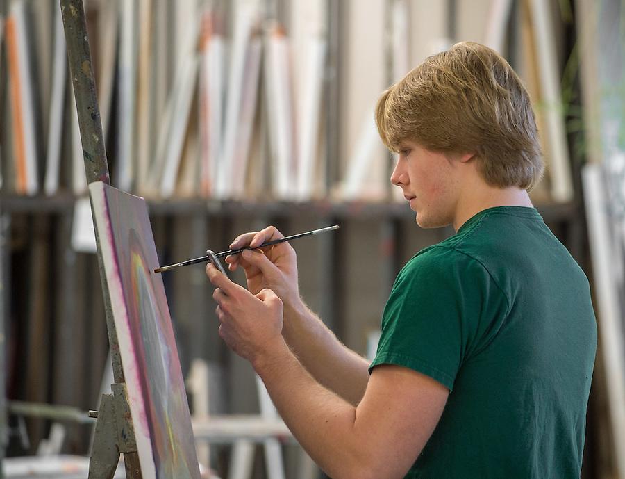 Nov. 25, 2014; Painting class, Riley Hall (Photo by Matt Cashore/University of Notre Dame)