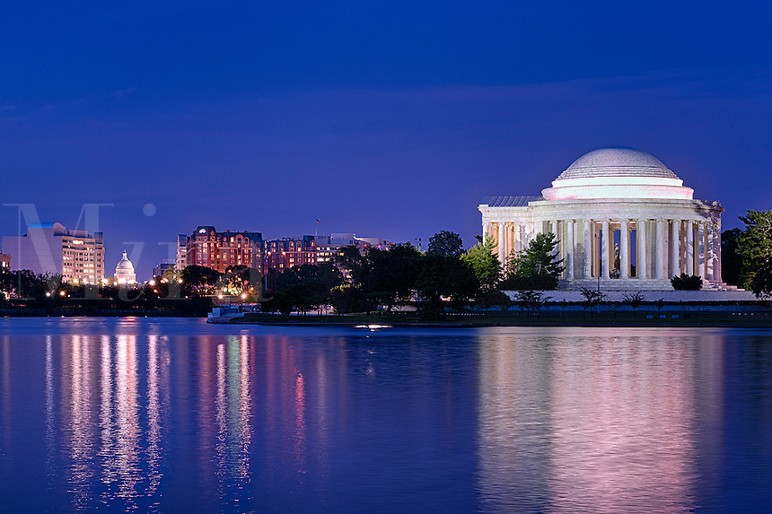 Exterior, Jefferson Memorial, Washington DC, USA