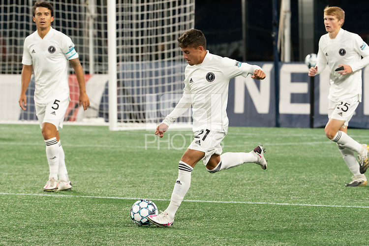 FOXBOROUGH, MA - OCTOBER 09: Edison Azcona #21 of Fort Lauderdale CF during a game between Fort Lauderdale CF and New England Revolution II at Gillette Stadium on October 09, 2020 in Foxborough, Massachusetts.