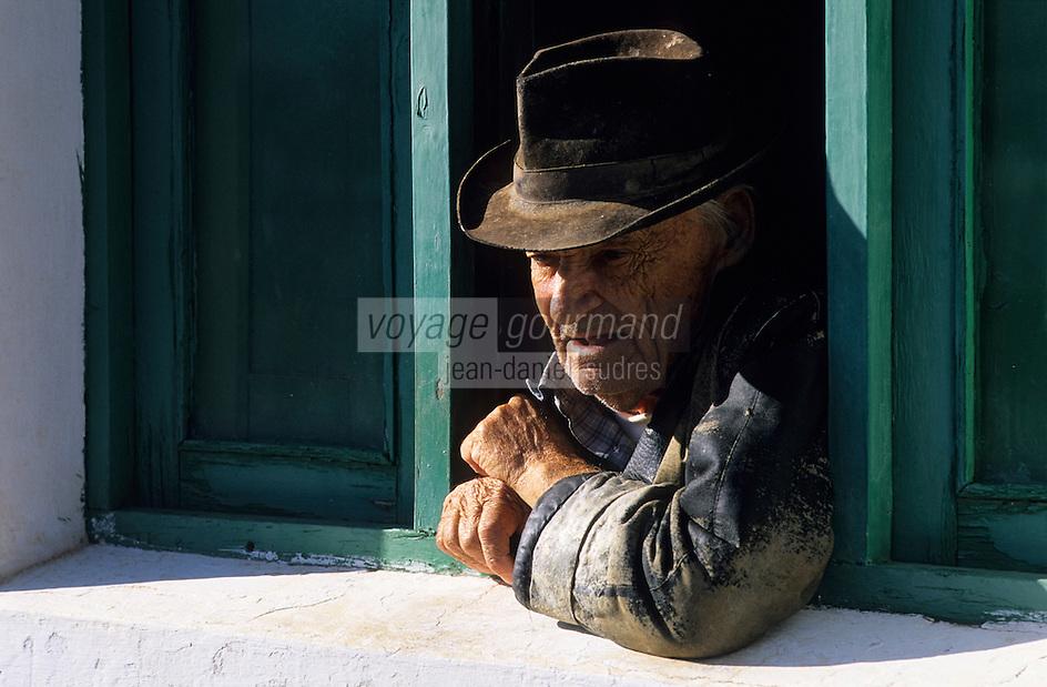 Europe/Espagne/Iles Canaries/Lanzarote : La caleta de Famara - Vieux pêcheur