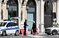 A police officer speaks with an old woman in central Rome on May 4, 2020 as Italy starts to ease its lockdown, during the countrys lockdown aimed at curbing the spread of the COVID-19 infection, caused by the novel coronavirus.<br /> UPDATE IMAGES PRESS/Isabella Bonotto
