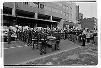 Manifestation d'ambulanciers, vers Octobre 2000 (date exacte inconnue)<br /> <br /> PHOTO : Agence Quebec Presse<br /> <br /> <br />  NOTE : Lorsque requis la photo commandée sera recadrée et ajustée parfaitement.