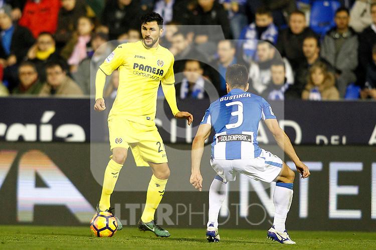 CD Leganes' Unai Bustinza (r) and Villarreal CF's Roberto Soriano during La Liga match. December 3,2016. (ALTERPHOTOS/Acero)
