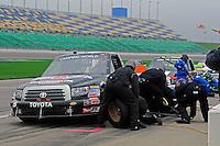 24-25 April, 2009, Kansas City, Kansas, USA.Mike Skinner (5) makes a pit stop..©F. Peirce Williams 2009 USA.F. Peirce Williams.photography