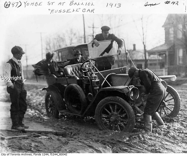 1913 file photo - Russel car in the mud on Yonge street, Toronto