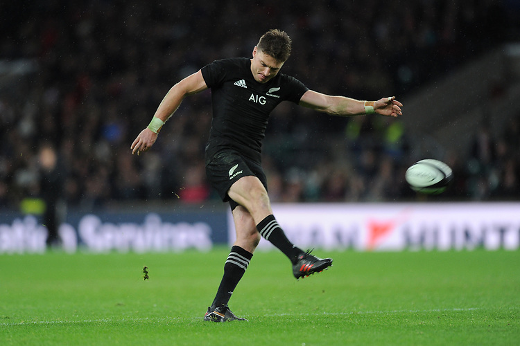 Beauden Barrett of New Zealand kicks a conversion during the 125th Anniversary Match between Barbarians and New Zealand at Twickenham Stadium on Saturday 4th November 2017 (Photo by Rob Munro/Stewart Communications)
