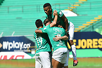 PALMIRA - COLOMBIA, 14-10-2020: Jugadores del Cali celebran después de anotar el primer gol durante partido entre Deportivo Cali y Boyacá Chicó F.C. por la fecha 14 de la Liga BetPlay DIMAYOR I 2020 jugado en el estadio Deportivo Cali de la ciudad de Palmira. / Players of Cali celebrate after scoring the first goal during match between Deportivo Cali and Boyaca Chico F.C. for the date 14 as part of BetPlay DIMAYOR League I 2020 played at Deportivo Cali stadium in Palmira city.  Photo: VizzorImage / Nelson Rios / Cont