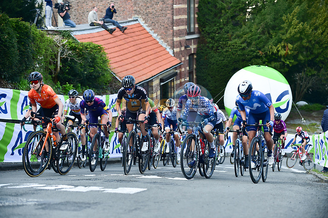 The peloton climb Mur de Huy during the 2021 Flèche-Wallonne Femmes, running 130.2 km from Huy to Huy, Belgium. 21st April 2021.  <br /> Picture: A.S.O./Gautier Demouveaux   Cyclefile<br /> <br /> All photos usage must carry mandatory copyright credit (© Cyclefile   A.S.O./Gautier Demouveaux)