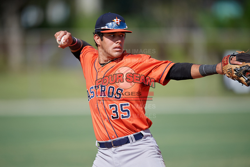 Giuseppe Ferraro (35) during the WWBA World Championship at the Roger Dean Complex on October 13, 2019 in Jupiter, Florida.  Giuseppe Ferraro attends American Heritage High School in Ft. Lauderdale, FL and is committed to Miami.  (Mike Janes/Four Seam Images)