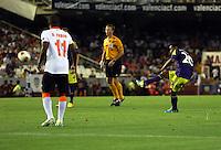Valencia, Spain. Thursday 19 September 2013<br /> Pictured: Jonathan de Guzman of Swansea (R) scoring a goal with a free kick<br /> Re: UEFA Europa League game against Valencia C.F v Swansea City FC, at the Estadio Mestalla, Spain,