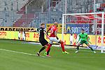 Boyd (13,HFC) gegen Kraus (5,FCK) beim Spiel in der 3. Liga, Hallescher FC - 1. FC Kaiserslautern.<br /> <br /> Foto © PIX-Sportfotos *** Foto ist honorarpflichtig! *** Auf Anfrage in hoeherer Qualitaet/Aufloesung. Belegexemplar erbeten. Veroeffentlichung ausschliesslich fuer journalistisch-publizistische Zwecke. For editorial use only. DFL regulations prohibit any use of photographs as image sequences and/or quasi-video.