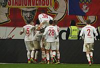 celebrate the goal, Torjubel zum 2:2 Ausgleich Florian Kainz (1. FC Koeln) - 18.12.2019: Eintracht Frankfurt vs. 1. FC Koeln, Commerzbank Arena, 16. Spieltag<br /> DISCLAIMER: DFL regulations prohibit any use of photographs as image sequences and/or quasi-video.