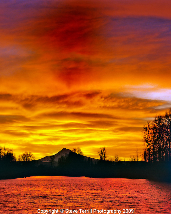 Sunrise over Mt Hood viewed from Whitaker Pond in Multnomah County, Oregon