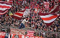 10.03.2018,  Football 1.Liga 2017/2018, 26. match day,  FC Bayern Muenchen - Hamburger SV, in Allianz Arena Muenchen. Einpeitscher Bayernfans in Suedkurve schreit in dein Megaphon. *** Local Caption *** © pixathlon<br /> <br /> Contact: +49-40-22 63 02 60 , info@pixathlon.de