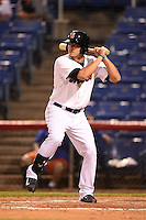 Binghamton Mets outfielder Darrell Ceciliani (10) at bat during a game against the Bowie Baysox on August 3, 2014 at NYSEG Stadium in Binghamton, New York.  Bowie defeated Binghamton 8-2.  (Mike Janes/Four Seam Images)