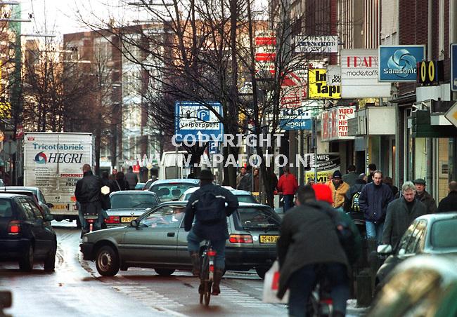 Arnhem,05-12-98  Foto:Koos Groenewold (APA)<br /> Drukte in de Steenstaat in Arnhem.