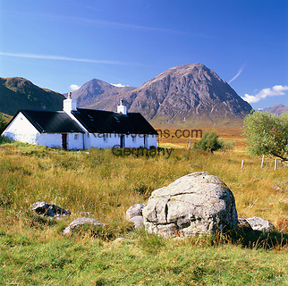 Great Britain, Scotland, Highland Region, Rannoch Moor: Black Rock Cottage | Grossbritannien, Schottland, Highland Region, Rannoch Moor: Black Rock Cottage
