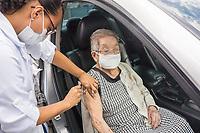 SÃO PAULO, SP, 06.02.2021:  Vacinação Covid -19  - Campanha de Vacinação contra a Covid-19 para pessoas  idosas a partir de 90 anos na manhã deste sábado (06) na UBS Vila Barbosa no bairro do Mandaqui zona norte da cidade de São Paulo SP. No destaque Tere Tomiko de 103 anos recebe a primeira dose da vacina contra Covid - 19