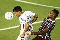 Santos (SP), 21.02.2020 - Santos-Fluminense - O jogador marcos leonardo e lucas braga. Partida entre Santos e Fluminense valida pela 37. rodada do Campeonato Brasileiro neste domingo (21) no estadio da Vila Belmiro em Santos.