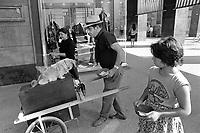 - Rom nomad beggars in Milan downtown....- <br /> <br /> - mendicanti nomadi Rom nel centro di Milano