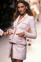 CARLA BRUNI<br /> Chanel<br /> 1995<br /> © Guy Marineau/Catwalkpictures/TORDOIR/DALLE