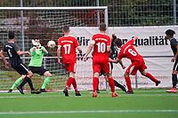 Lukas Dilling (#6 Büttelborn) zieht ab und trifft gegen Tim Kistner (Geisnheim) zum 1:3 - Büttelborn 03.10.2021: SKV Büttelborn vs. SV 07 Geinsheim, Gruppenliga