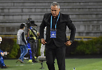 IBAGUE - COLOMBIA, 15-11-2020: Hernan Torres técnico del Tolima gesticula durante partido entre Deportes Tolima y Once Caldas por la fecha 20 de la Liga BetPlay DIMAYOR 2020 jugado en el estadio Manuel Murillo Toro de la ciudad de Ibagué. / Hernan Torres coach of Tolima gestures during match between Deportes Tolima and Once Caldas for the date 20 as part BetPlay DIMAYOR League 2020 played at Manuel Murillo Toro stadium in Ibague city.  Photo: VizzorImage / Joan Stiven Orjuela / Cont