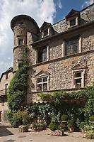 Europe/France/Midi-Pyrénées/12/Aveyron/Sainte-Eulalie-d'Olt: Hôtel Renaissance date du XVIème siècle.