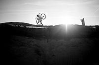 Axelle Bellaert (BEL/AAdrink-Bris) on the sand dune<br /> <br /> Jaarmarktcross Niel 2014