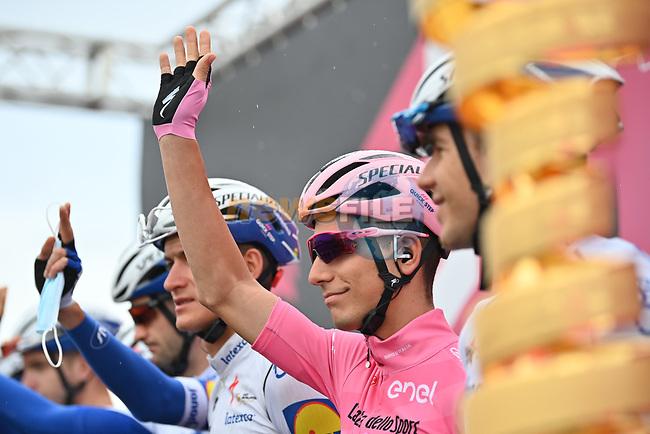 Race leader Maglia Rosa Joao Almeida (POR) Deceuninck-Quick Step at sign on before the start of Stage 9 of the 103rd edition of the Giro d'Italia 2020 running 208km from San Salvo to Roccaraso (Aremogna), Sicily, Italy. 11th October 2020.  <br /> Picture: LaPresse/Massimo Paolone | Cyclefile<br /> <br /> All photos usage must carry mandatory copyright credit (© Cyclefile | LaPresse/Massimo Paolone)