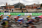 The race enters Madrid during Stage 18 of the Vuelta Espana 2020, running 139.6km from Hipódromo de La Zarzuela to Madrid, Spain. 8th November 2020.  <br /> Picture: Unipublic/Charly Lopez | Cyclefile<br /> <br /> All photos usage must carry mandatory copyright credit (© Cyclefile | Unipublic/Charly Lopez)