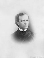 Sir Wilfrid Laurier <br /> <br /> Avocat, journaliste, propriŽtaire et rŽdacteur de journal, homme politique, nŽ le 20 novembre 1841 dans la paroisse Saint-Lin (Laurentides, QuŽbec), fils de Carolus Laurier et de Marcelle Martineau; le 13 mai 1868, il Žpousa ˆ MontrŽal ZoŽ Lafontaine,