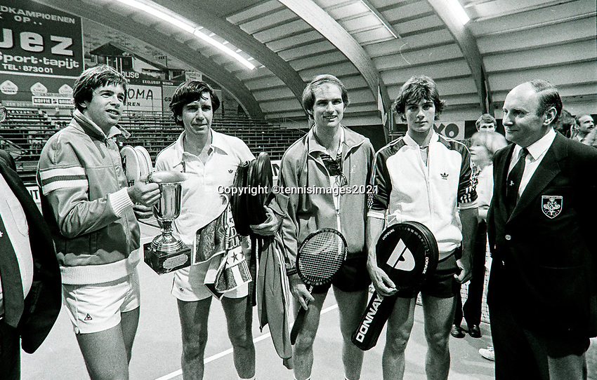 Belgium, Antwerp, 6 March 1981,  Night of the Doubles Tournament,  Eric Wilborts (NED) (2nd from R) with his coach Fred Hemmes (NED)<br /> Photo: www.tennisimages.com/Henk Koster