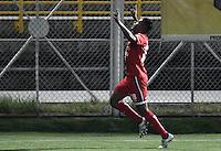 BOGOTA - COLOMBIA -14 -09-2016: Almir Soto (Der) jugador de Envigado FC celebra después de anotar un gol a Fortaleza CEIF durante por la fecha 12 de Liga Águila I 2016 jugado en el estadio Metropolitano de Techo en Bogotá. / Almir Soto (R) player of Envigado FC celebrates after scoring a goal to Fortaleza CEIF during the match for the date 12 of the Aguila League II 2016 played at Metropolitano de Techo stadium in Bogota. Photo: VizzorImage / Gabriel Aponte / Staff.