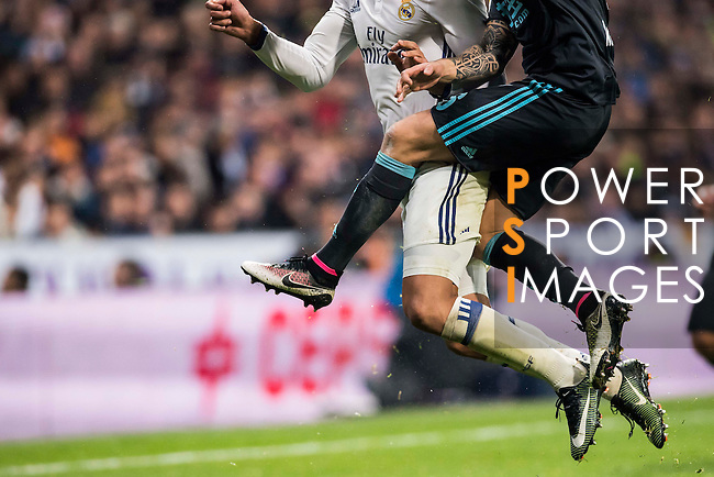 Carlos Henrique Casemiro (l) of Real Madrid fights for the ball with Inigo Martinez Berridi of Real Sociedad during their La Liga match between Real Madrid and Real Sociedad at the Santiago Bernabeu Stadium on 29 January 2017 in Madrid, Spain. Photo by Diego Gonzalez Souto / Power Sport Images