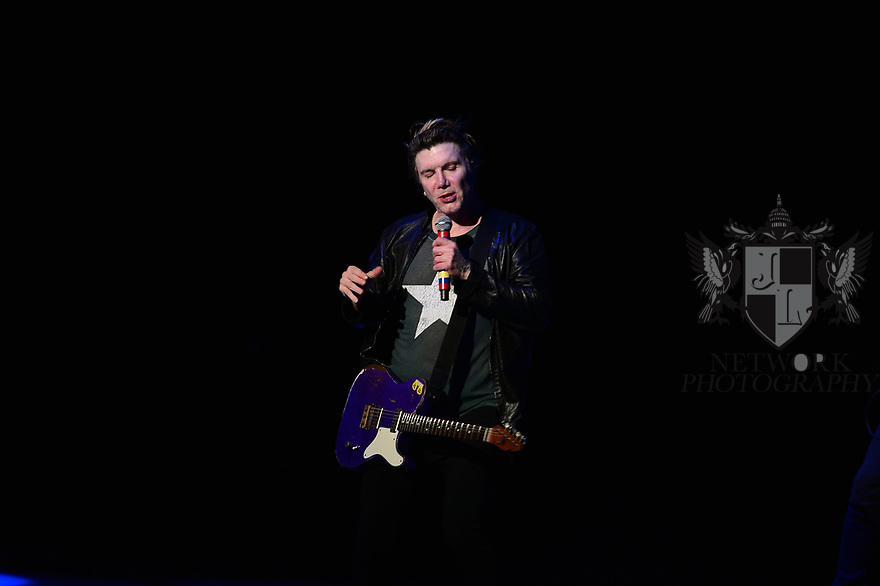 HOLLYWOOD, FL - JANUARY 29: Johnny Rzeznik, of Goo Goo Dolls performs on stage at Hard Rock Event Center at the Seminole Hard Rock Hotel & Casino on January 29, 2020 in Hollywood, Florida.  ( Photo by Johnny Louis / jlnphotography.com )