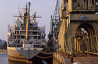 Europe/Belgique/Flandre/Province d'Anvers/Anvers : Le port - Paquebot amarré