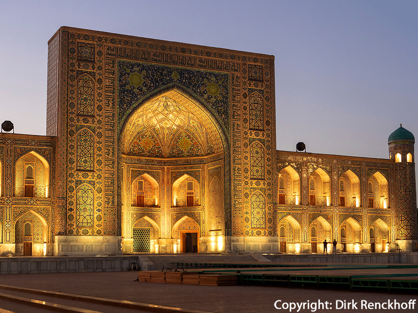 Registan mit Tilla Kori Medrese, Samarkand, Usbekistan, Asien, UNESCO Weltkulturerbe<br /> Tilla Kori Madrasa at Registan Square, Samarkand, Uzbekistan, Asia, UNESCO Heritage Site