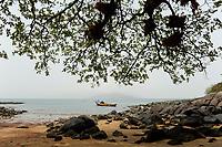 SIERRA LEONE, boat trip along the coast of atlantic ocean from river No. 2 to Tombo, Banana Island