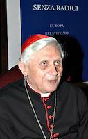 """Roma 13 12 2004 Presentazione del libro d""""Senza radici.Europa,relativismo,cristianesimo,islam"""" <br /> Joseph Ratzinger Cardinale<br /> foto Serena Cremaschi"""