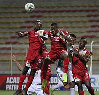 BOGOTÁ - COLOMBIA, 04-08-2019: Almir de Jesus Soto (Der.) jugador de Patriotas Boyacá disputa el balón con Alvaro Angulo  (Izq.) jugador del Rionegro durante partido por la fecha 4 de la Liga Águila II 2019 jugado en el estadio Metropolitano de Techo de la ciudad de Bogotá. / Almir de Jesus Soto (R) player of Patriotas Boyaca fights the ball  against of Alvaro Angulo (L) player of Rionegro during the match for the date 4th of the Liga Aguila II 2019 played at the Metropolitano de Techo  stadium in Bogota city. Photo: VizzorImage / Felipe Caicedo / Staff.