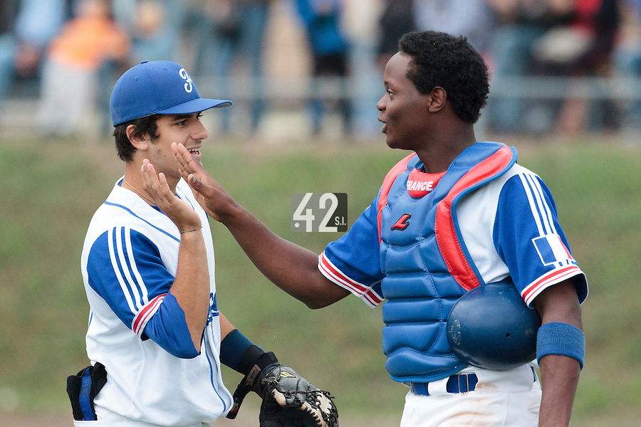 26 july 2010: Jean Antonio Samer of France is congratulated by Maxime Lefevre during France 10-2 victory over Ukraine, in day 4 of the 2010 European Championship Seniors, in Neuenburg, Germany.