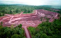 Mina de Ouro do Igarapé Bahia explorada pela CVRD-Companhia Vale do Rio Doce em Carajás no sul do Pará- Brasil.<br />©Foto: Paulo Santos.<br />1998<br />Negativo Cor 135 Nº 6223 T2 F6